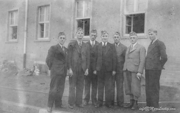 12_2_April1940imKasernenhofInMainz
