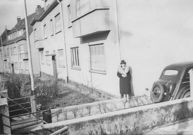 17_4_Febr1940vorDerLeerenWohnungAusNeunkirchenSachenHolen