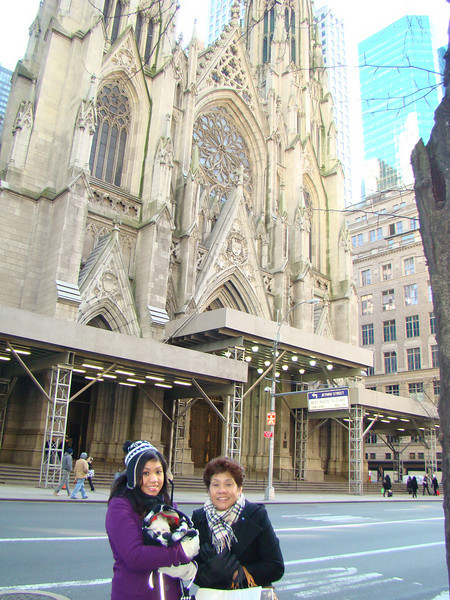 Visiting St. Patrick's Cathedral in NYC with Katrina and Tita Linda.