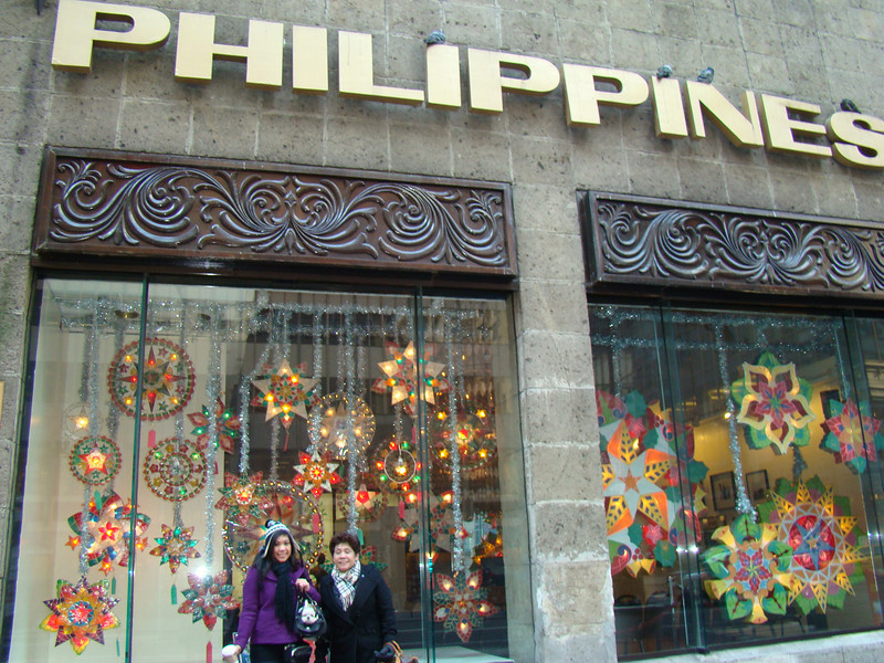 01/12/2010 Visiting the Philippine Consulate in NYC with Katrina and Tita Linda.