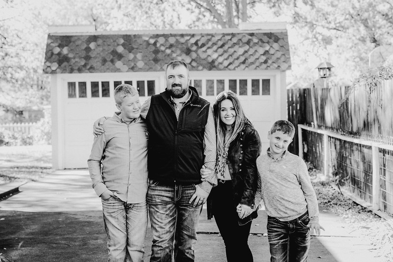 00018--©ADHPhotography2017--LukeLeahRuggles--Family