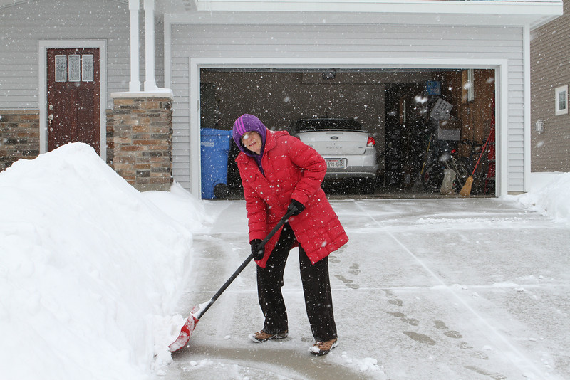 Sarah knows how to shovel snow too.  It's really good exercise.