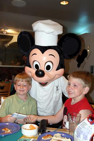2003 7.25 Chef Mickey's Disney World Resort
