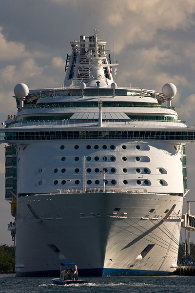 Pax are seen looking out from this Port Everglades cruise ship as we enter the inlet.