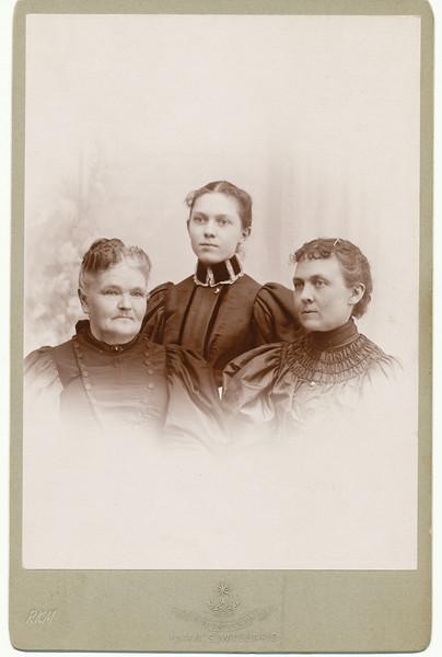 (L to R) Sarah Maria Hirst Porter, Flora Maie Salisbury, Susan Maie Porter