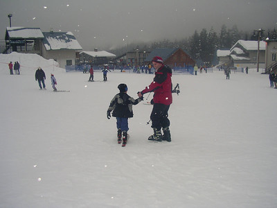 Gry and Miles are soon skiing on the bunny hill.