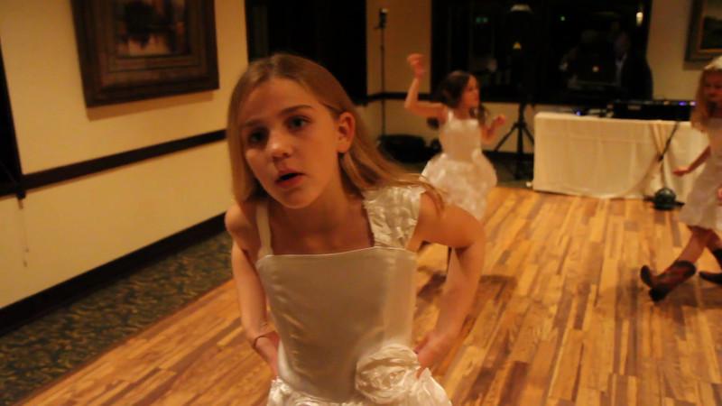 Dance: Kendall, Avery & Ava
