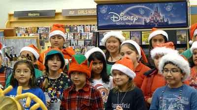 2011-12-02 Choir performance at Barnes and Noble