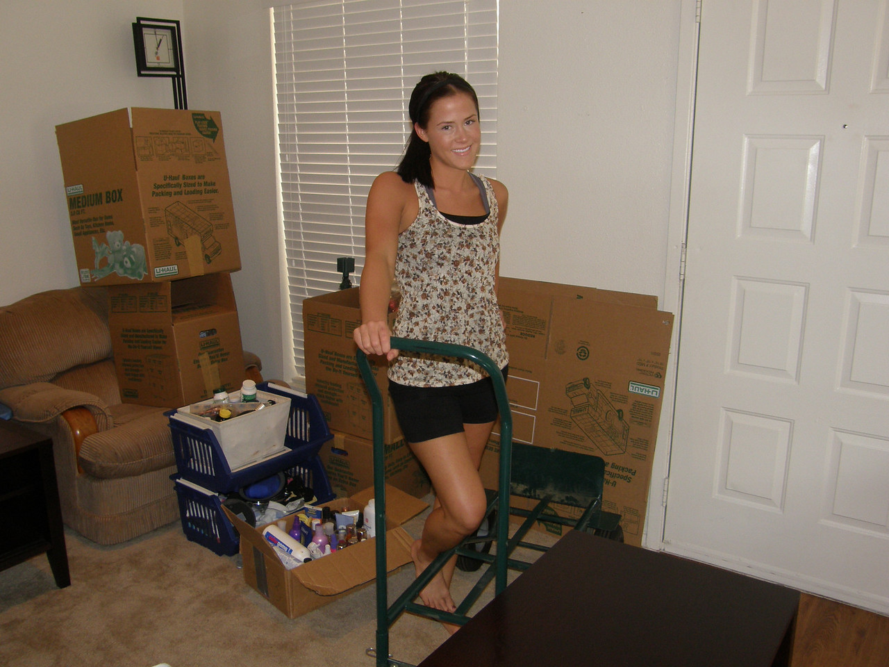 Sarah gets ready to move out.
