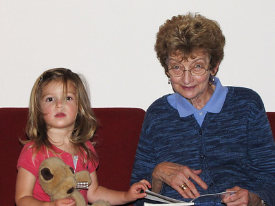 95 Hazel and Marian read Amelia Bedelia