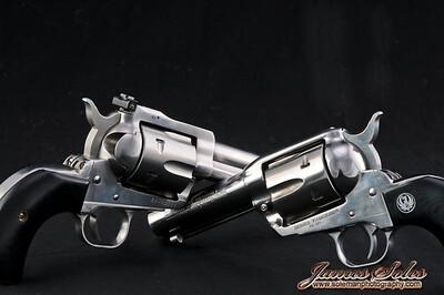 hand guns-3905