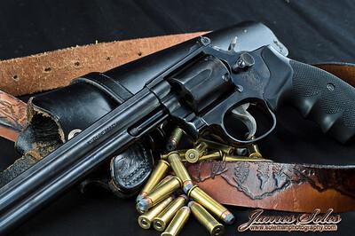 hand guns-3930