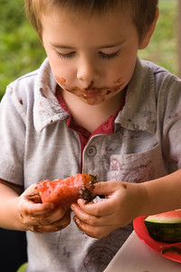 Dipping watermelon in chocolate pudding?