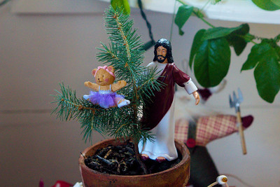 Jesus and the Dancing Ballerina Bear decorate the Grand Christmas Tree.