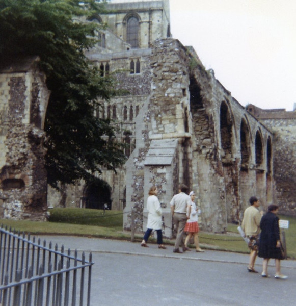Bonnie with Roy and Marilyn Gridley at Canterbury Cathedral, July 1970