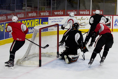 13 11 06 Sens Practice - Scottie-054