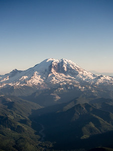 Mt. Ranier from plane