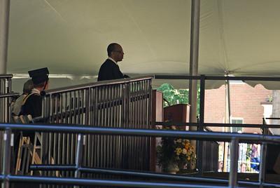Eugene Robinson of the Washington Post gave the Commencement address.