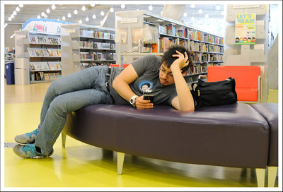 Waiting for Cindy and Kento in the library.
