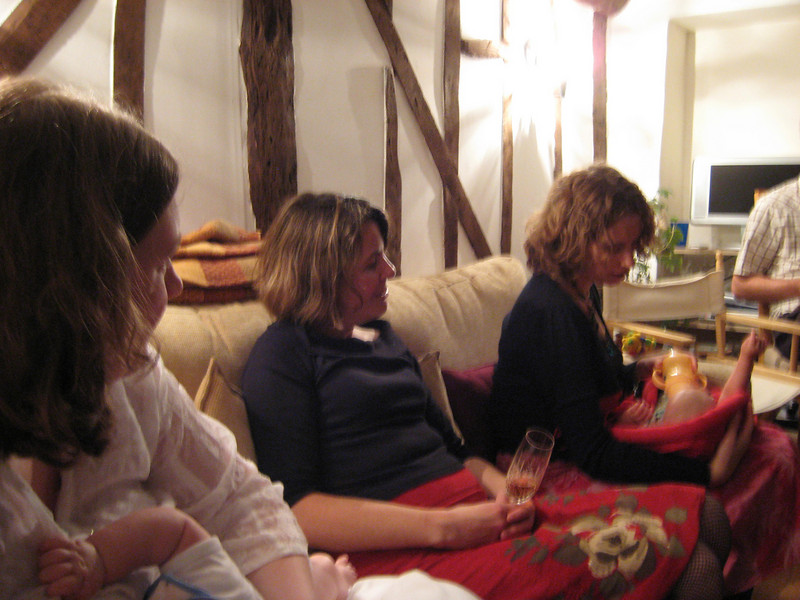 Extended Sharp\'s family (from left to right) : mummy, Sarah, Helen, Mae.