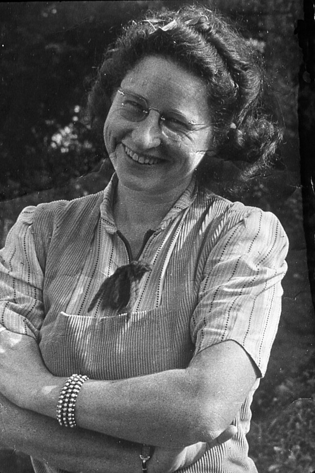 Virginia Scheidecker about the time she was teaching in Shafter, CA.  She married Mauritz Nelson