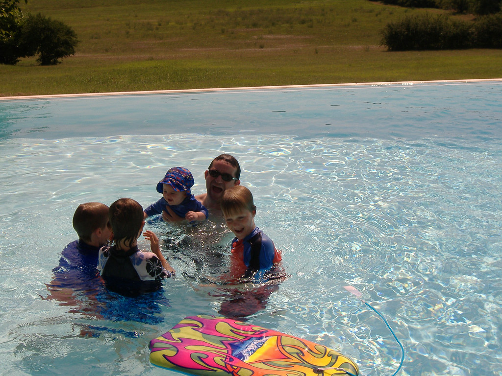 007 Giggling in the Pool with his Cousins