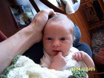 Ölmu og Sindrason orðinn viku gamall, fæddist 2. júlí 2004.
