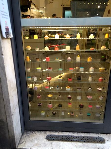 Mini cake shop in Rome
