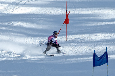 Sara racing the giant slalom