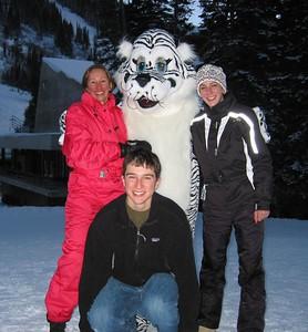 Steve, Mom, K, Cat