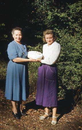 1951 - Margaret Velma Cake - S828