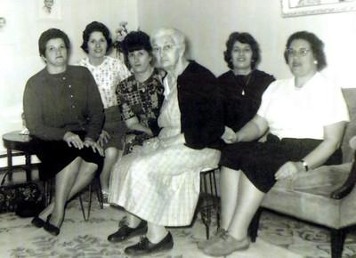 Thomasine, Margaret, Emily (Molly), Rosa Dardano Spagnolo, Antoinette (Tuty) & Edith.