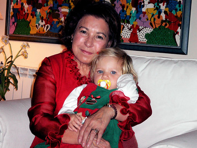 Maria Rosa and her grand daughter Olivia