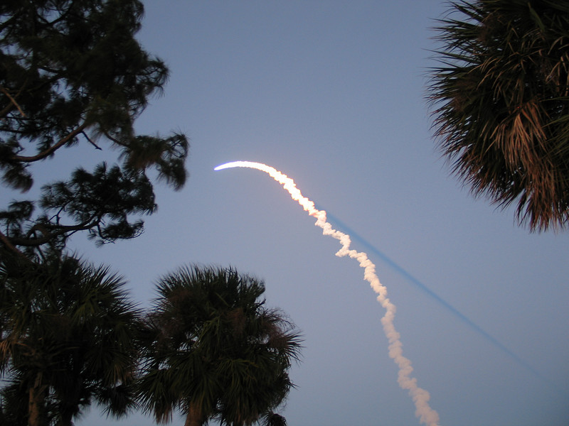 There she goes!!!!  Shuttle Discovery on her way.