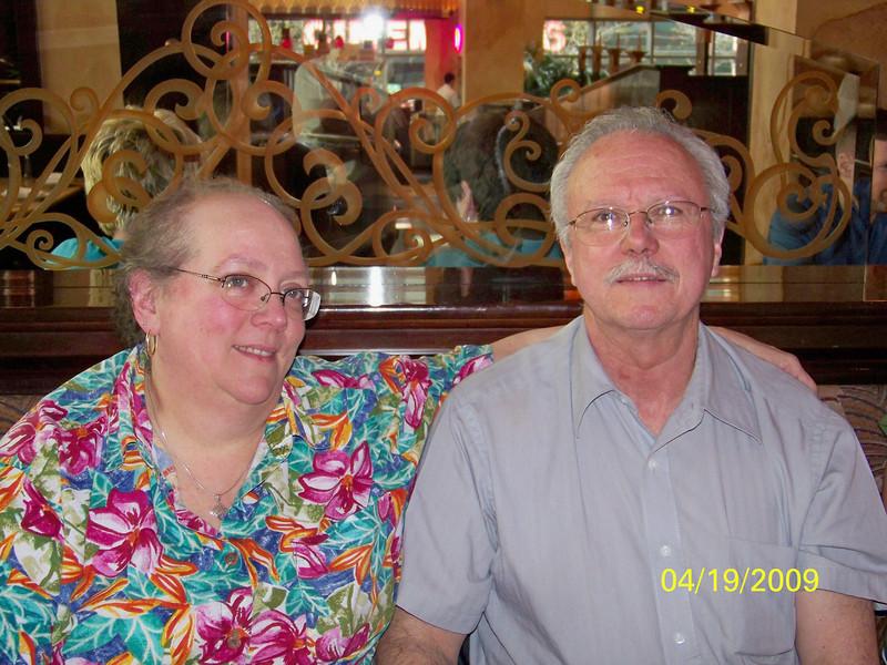 Joan and Dick - 19Apr09 (James' parents)