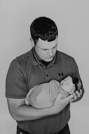 00854--©ADH Photography2017--BlakelyStagemeyer--Newborn