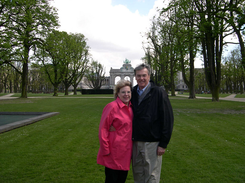 Kathy and Steve Larkin in Parc Cinquantinaire in Brussels, with the arch in the background.