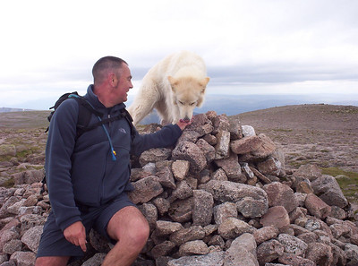Poppel and myself on the summit of Braerich.
