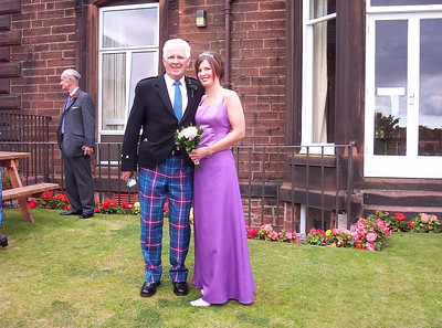 Jill with her Dad on Julie & Callums wedding day.