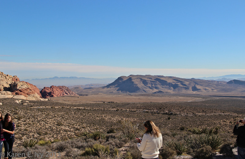 View east from Red Rock turnout - Calico Hills to left