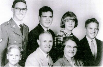 Howell's Jim, Eddie, Sue, Larry, John, Bob & Jean, 1965