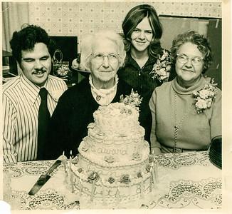 Oct 29 Birthdays Eddie, Elizabeth Plumlee, Sue & Jean - 1972