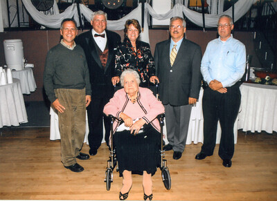 John, Larry, Sue, Eddie, Jim & Jean Howell Oct 13, 2007