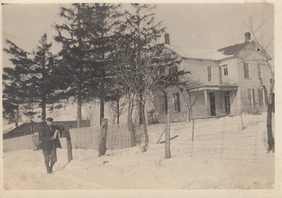 Iona Bowyer's home place