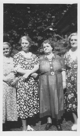 L-R - Mary Bowyer, Carrie Bowyer, Mattie (Bowyer) Hoover) & Iona (Bowyer) Sullivan