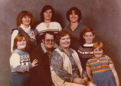 Back - Shari, Ramona & Annette Grant, Front - Samantha, Max, Lydia, Stephen & Joyce Sullivan - 1978