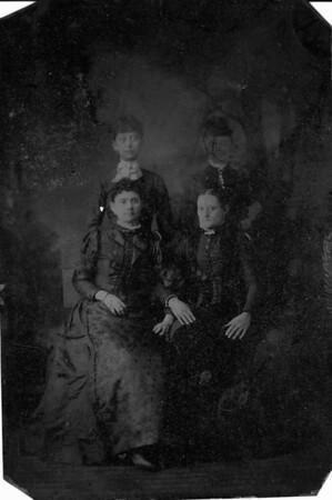 4 Dallas Girls - Top - Mary Francis & Laura - Bottom - Mary Jane & Emma