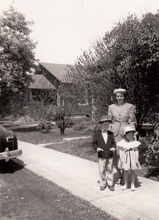 Eileen, Max & Jane Sullivan - 0003