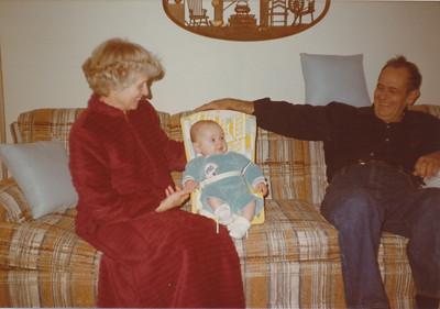 12-27-1980 Eileen & Ellis with Zach Hiller
