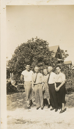 Ellis Sullivan(Far left), Clair & Hazel (Sullivan) Page, Otis & Grace Sullivan (Far right)